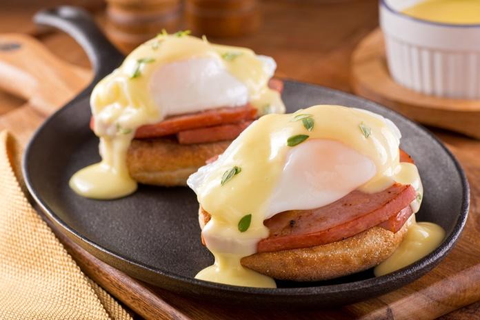 Kokia istorija slypi už gurmanų pamėgtų Benedikto kiaušinių?