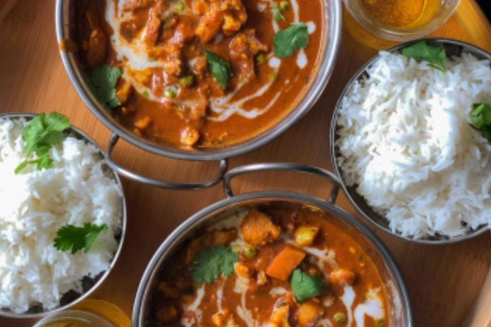 Egzotiškasis karis – namuose: kelios paprastos taisyklės, kaip paruošti šį patiekalą